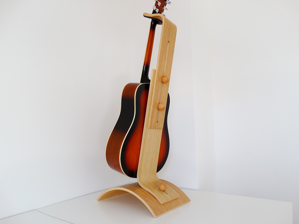 SUPPORT GUITARE AJUSTABLE EN BOIS (1)