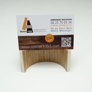 SUPPORT CARTE DE VISITE EN BOIS 1 300x300 - Support cartes de visite en bois cintré