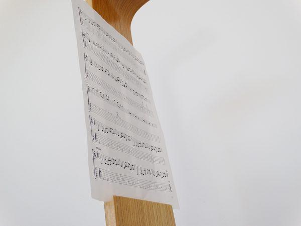 SUPPORT GUITARE EN BOIS 3 600x450 - Support guitare en bois ajustable