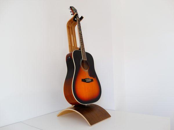 SUPPORT GUITARE EN BOIS ZEBRANO 600x450 - Support guitare en bois ajustable