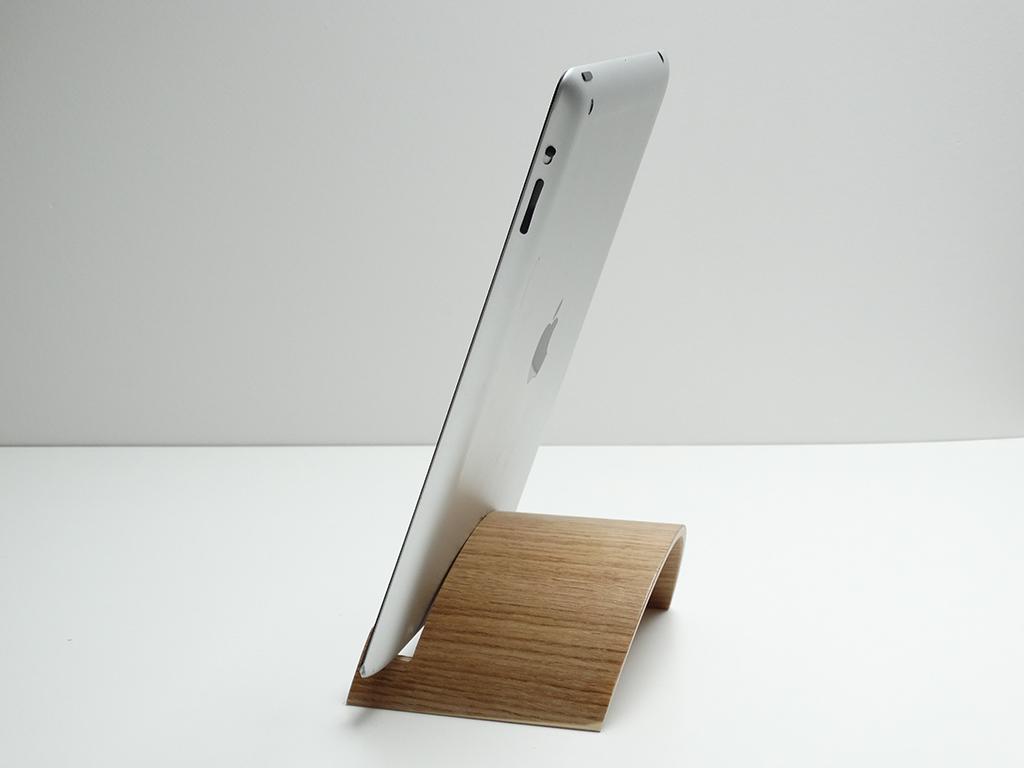 support ipad en bois cintré