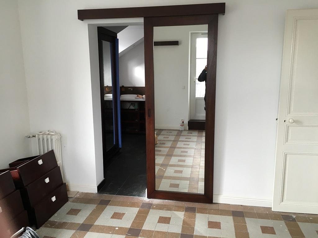 Porte à galandage avec miroir santin - Salle d'eau Acajou