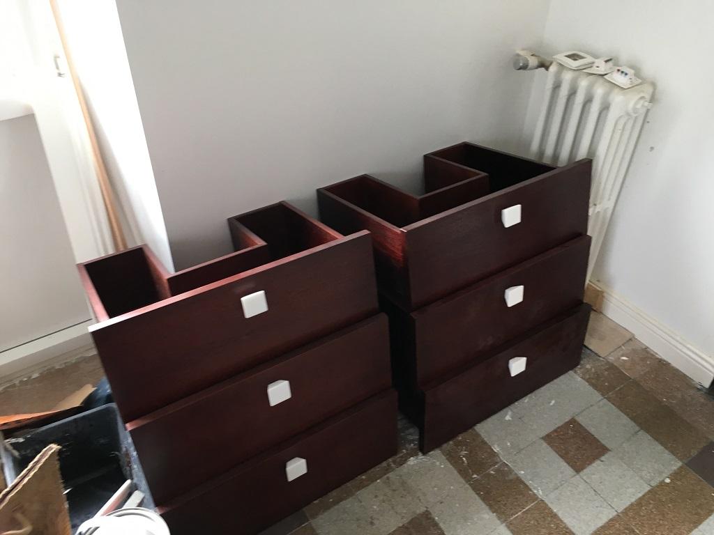 Tiroirs sur mesure meuble sous vasques teinté acajou - Salle d'eau Acajou