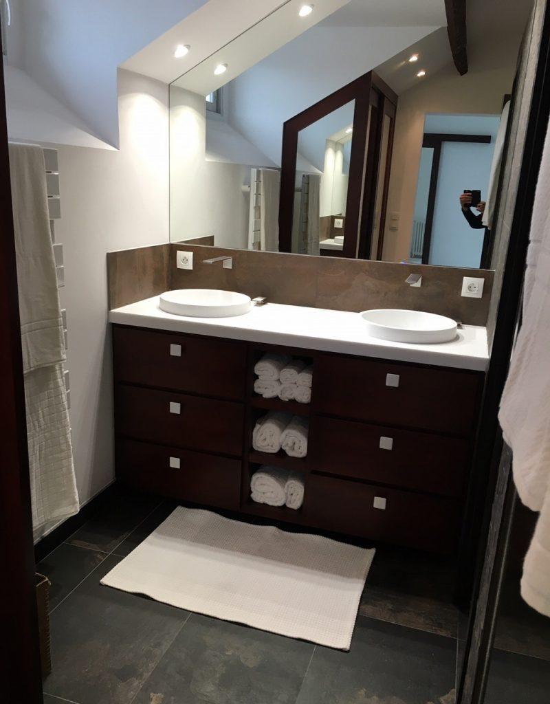 meuble salle de bain 04 e1512569058493 - Salle d'eau Acajou