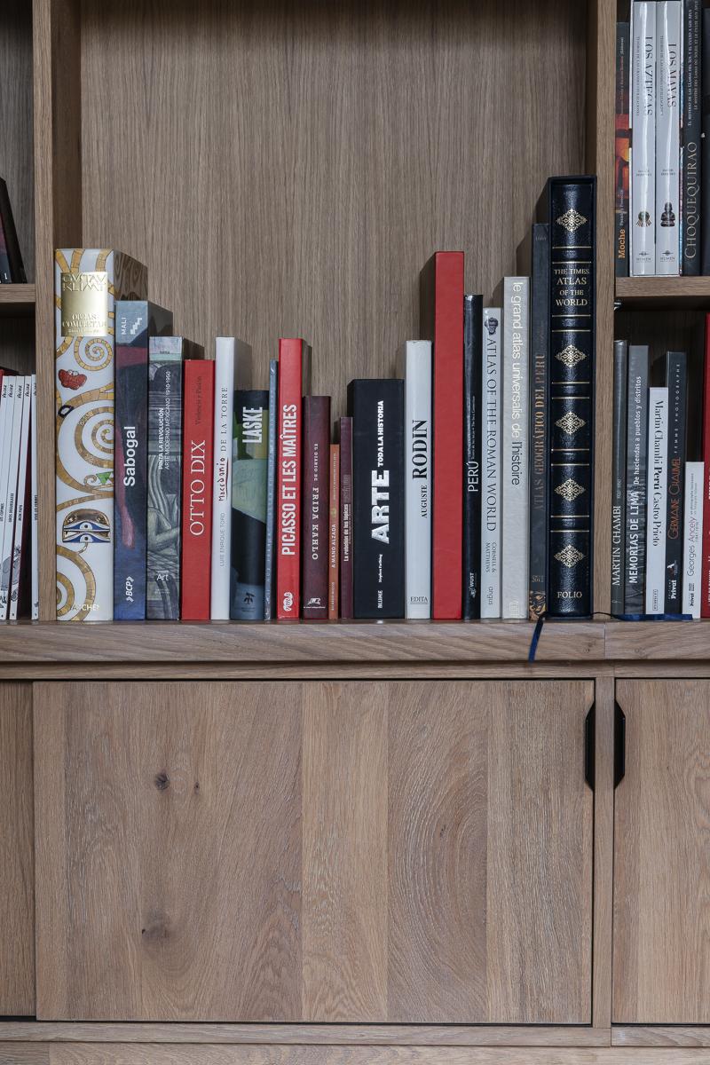 DSC9108 BIBLIOTHEQUE 3 - Bibliothèque sur mesure chêne brossé avec échelle métallique sur rail
