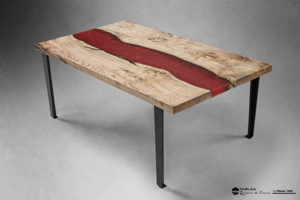 Table basse haut de gamme bois et résine rouge