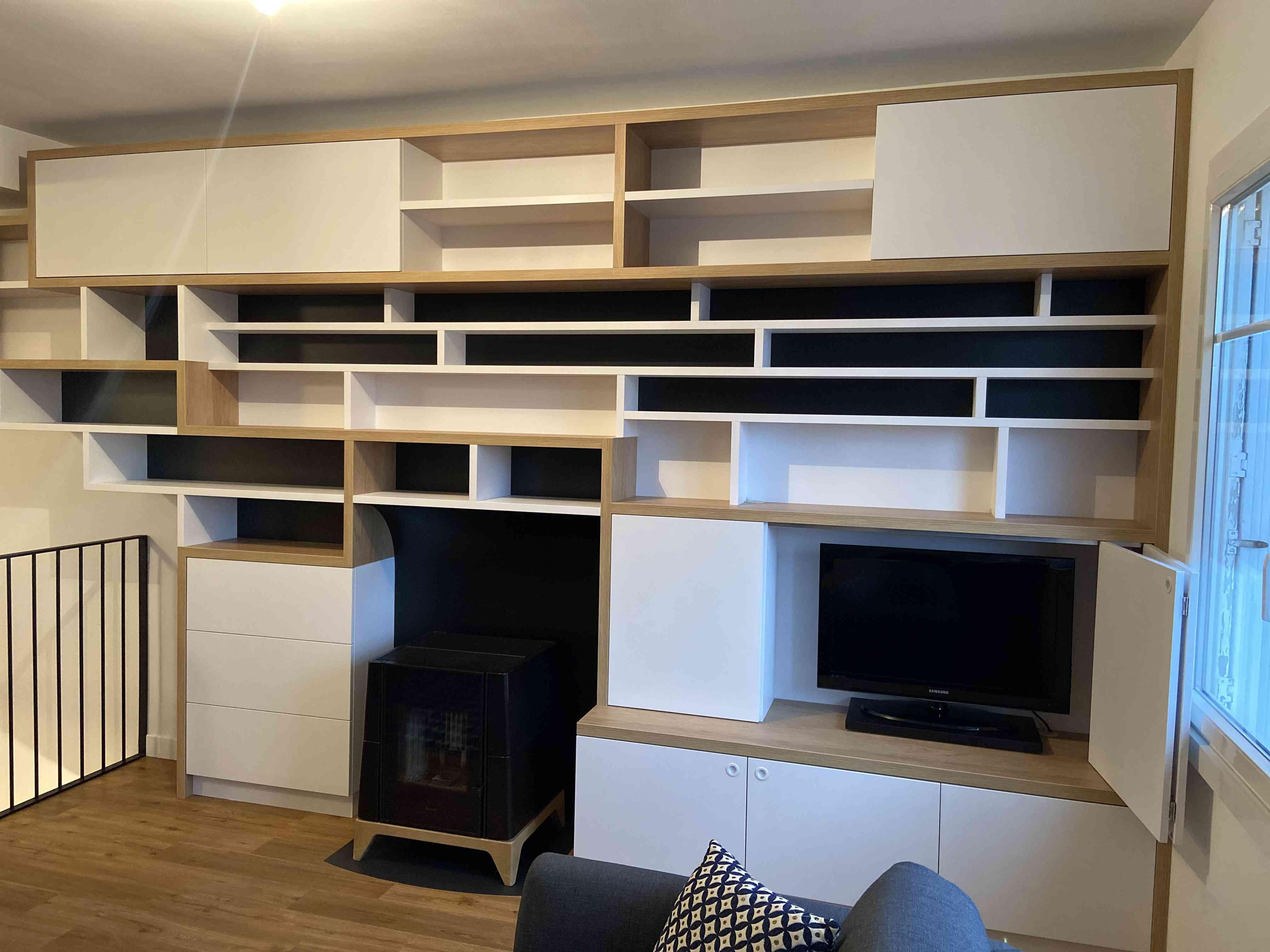 1 Bibliothèque sur mesure salon bois blanc noir 1 - Bibliothèque sur mesure salon bois blanc noir