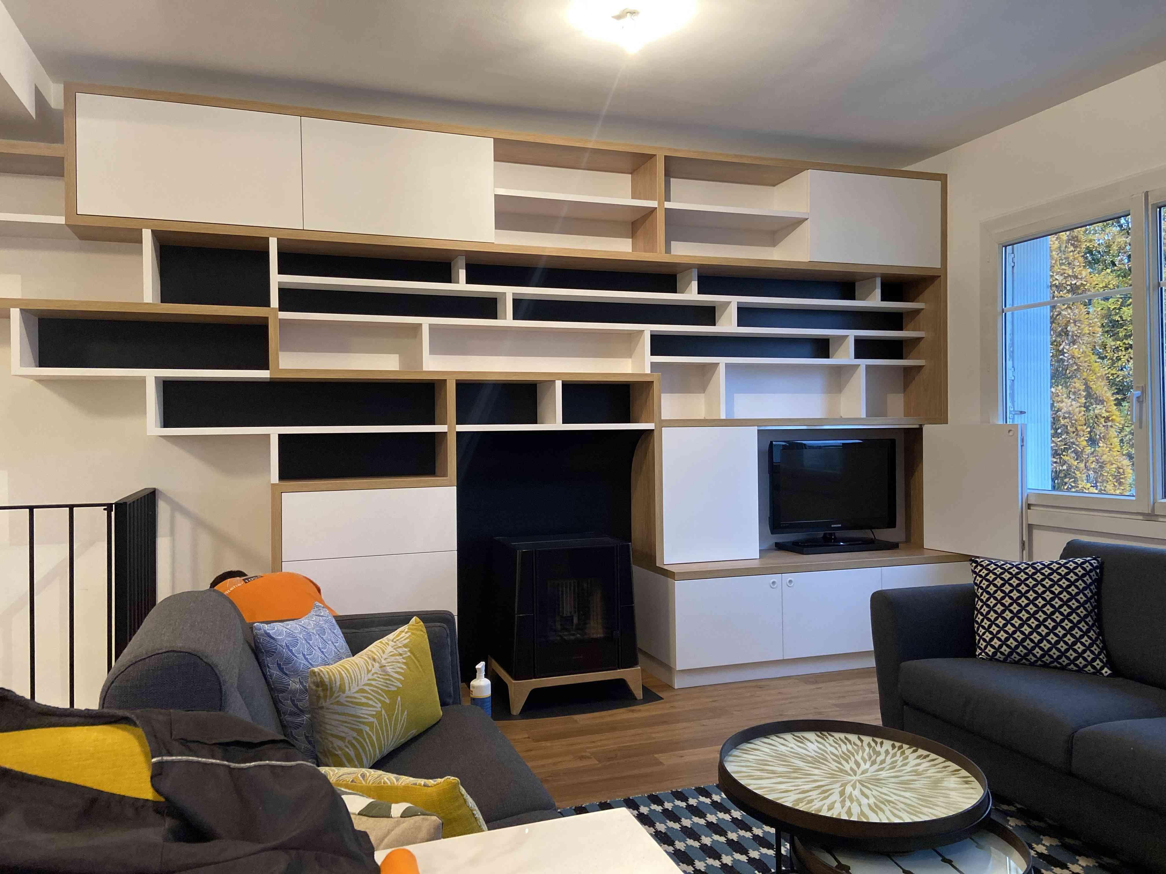 1 Bibliothèque sur mesure salon bois blanc noir 5 - Bibliothèque sur mesure salon bois blanc noir