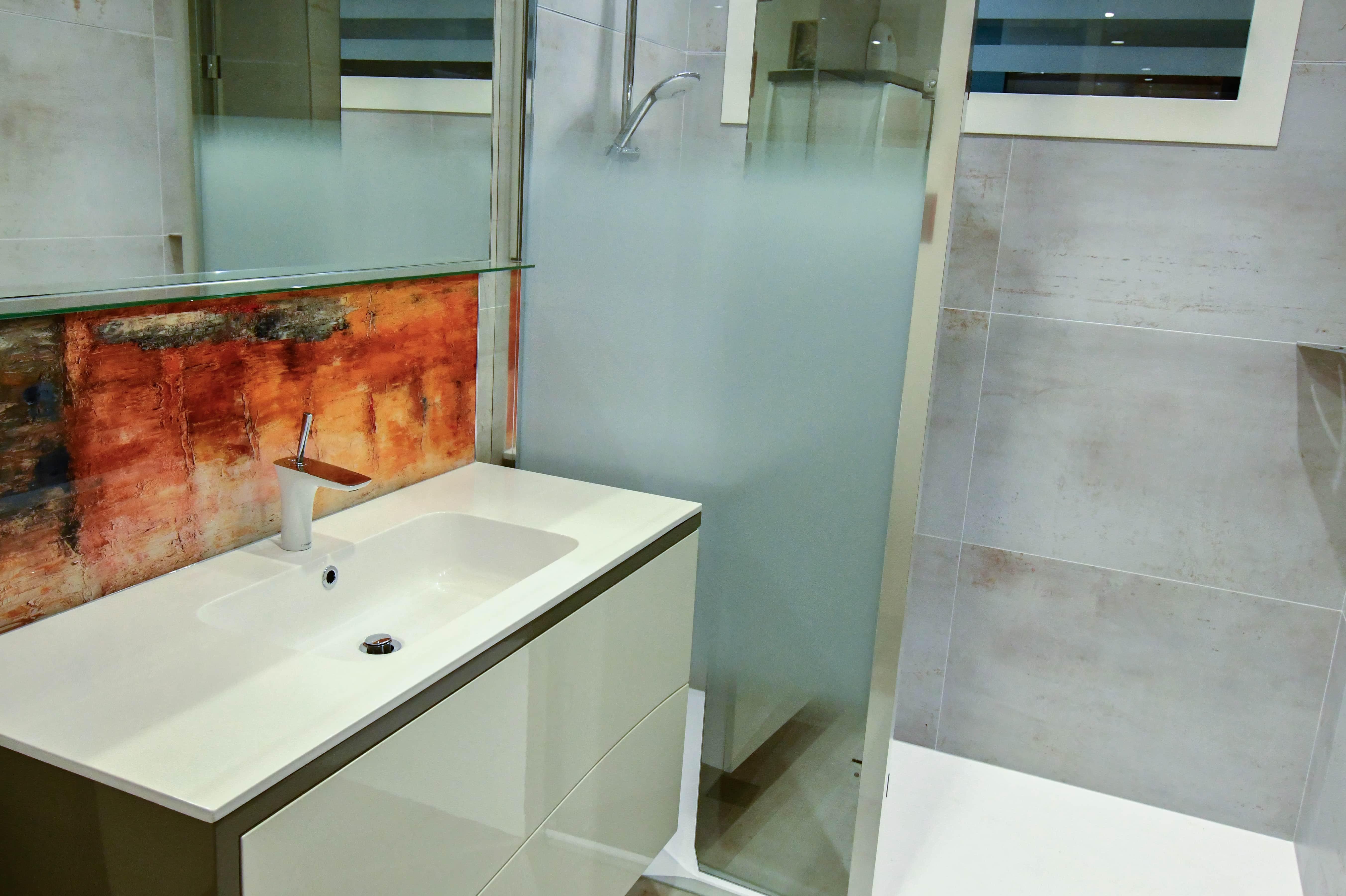 1 Salle de bains contemporaine aux lignes courbées 1 - Salle de bains contemporaine aux lignes courbées