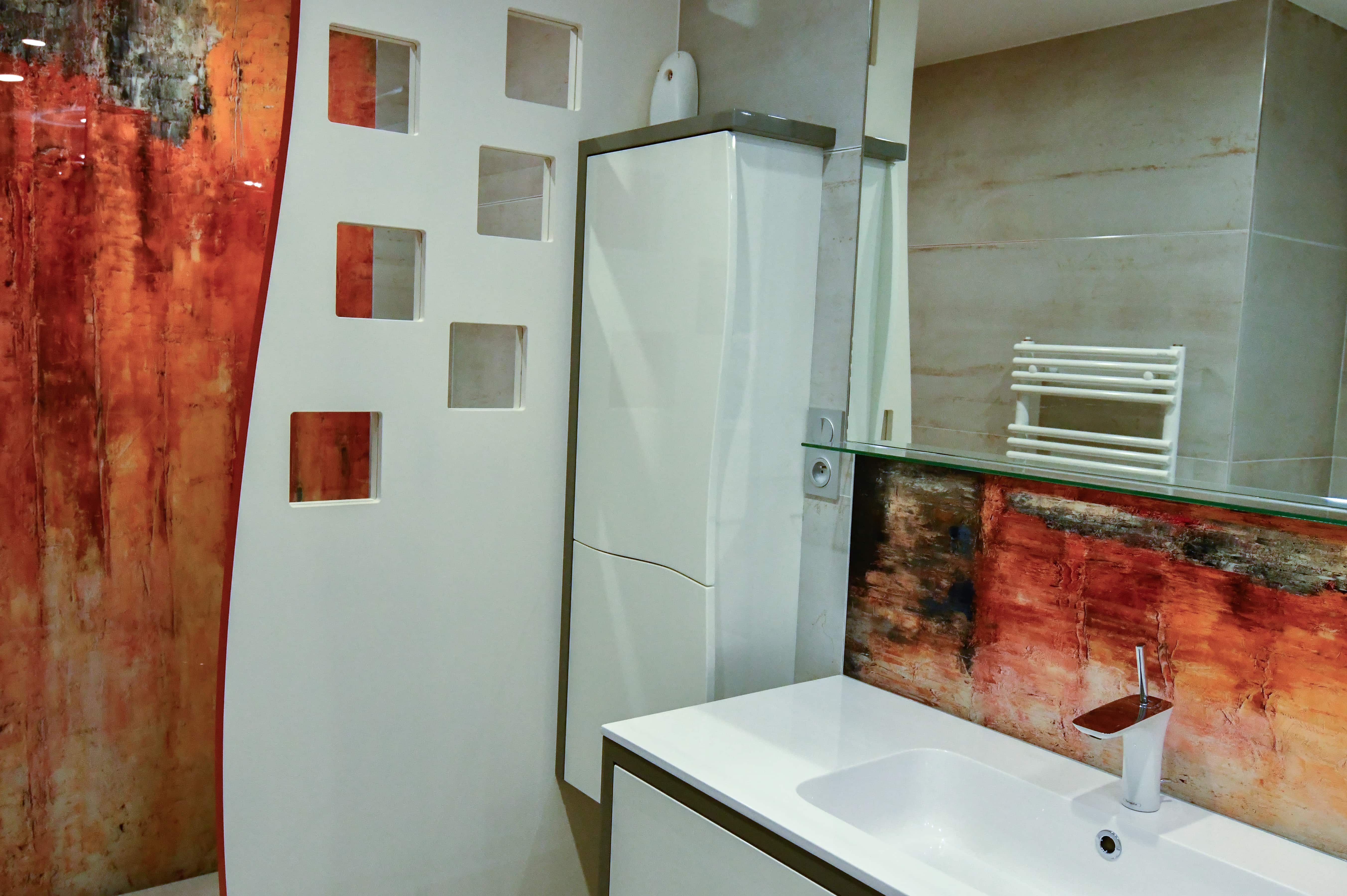 1 Salle de bains contemporaine aux lignes courbées 3 - Salle de bains contemporaine aux lignes courbées