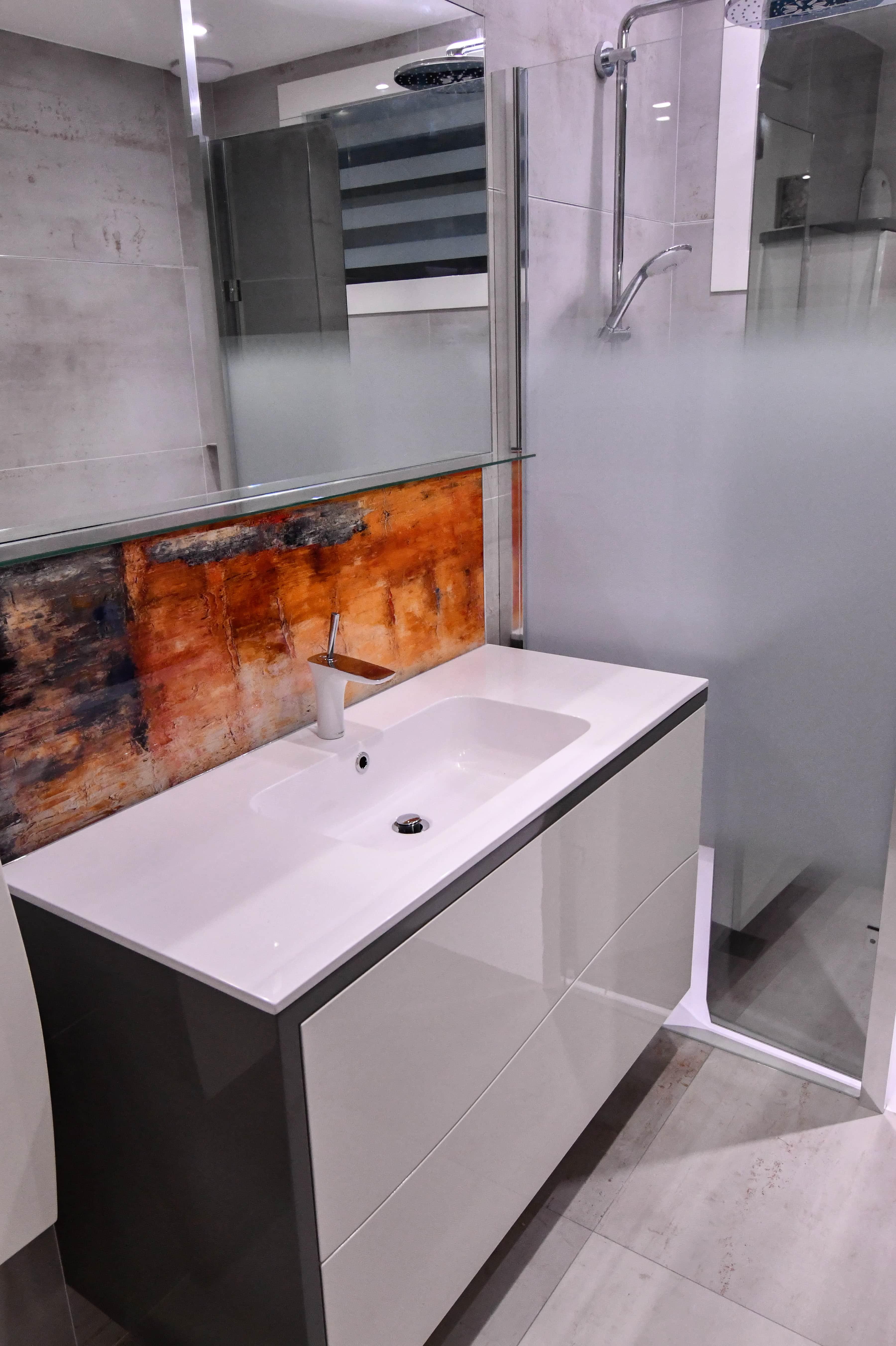 1 Salle de bains contemporaine aux lignes courbées 8 - Salle de bains contemporaine aux lignes courbées