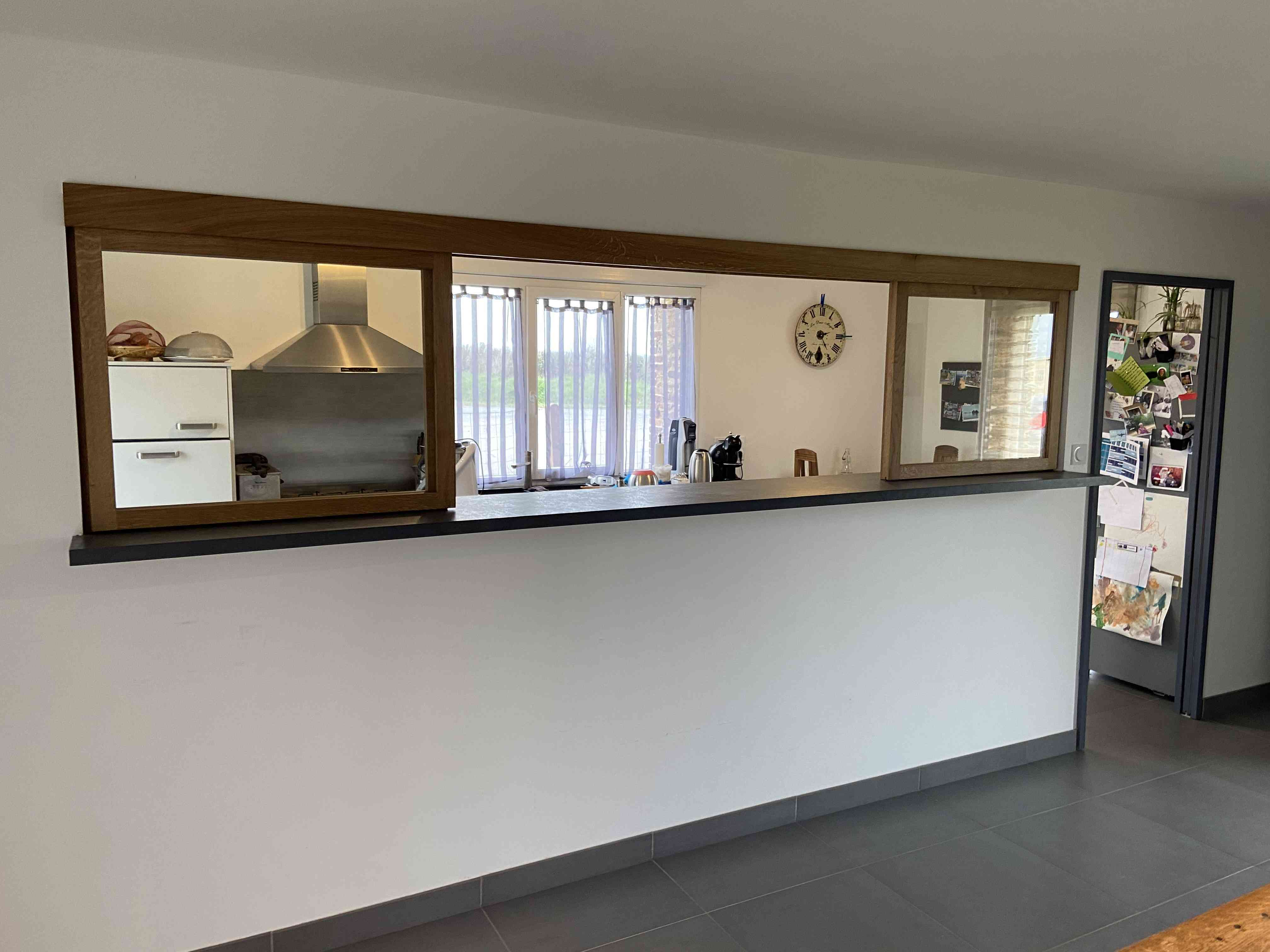 IMG 0617 - Verrière coulissante en chêne entre cuisine et séjour