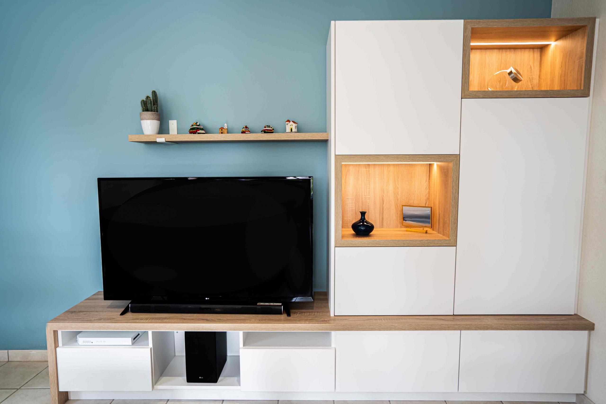 RDI01374 scaled - Meuble TV sur mesure blanc & chêne