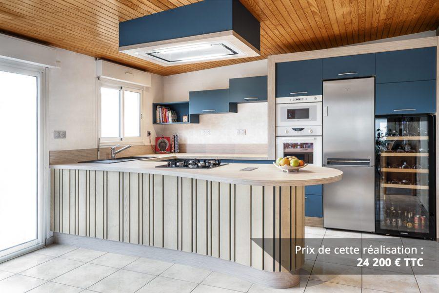 cuisine bleu petrole et frene avec plan de travail arrondi img 5 e1608045928281 - Cuisine Bleu pétrole et Frêne avec plan de travail arrondi