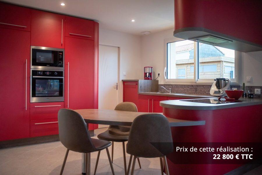 cuisine sur mesure rouge avec finitions cintrees img 1 e1608046041898 - Cuisine sur mesure rouge avec finitions cintrées
