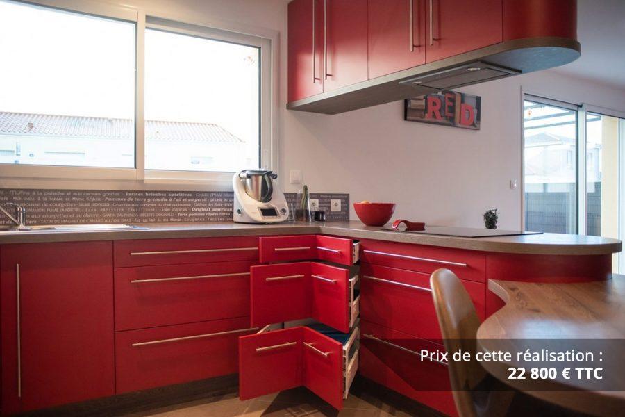 cuisine sur mesure rouge avec finitions cintrees img 2 e1608046050447 - Cuisine sur mesure rouge avec finitions cintrées