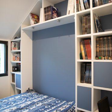 141 370x370 - Lit escamotable avec aménagement bibliothèque et coin bureau