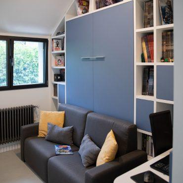 152 370x370 - Lit escamotable avec aménagement bibliothèque et coin bureau