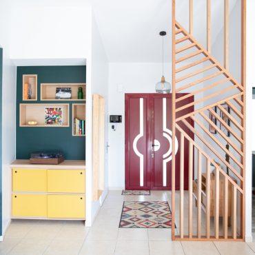 56 370x370 - Claustra en Chêne et meuble entrée avec niches