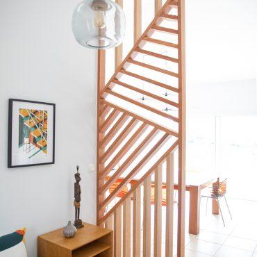 57 370x370 - Claustra en Chêne et meuble entrée avec niches