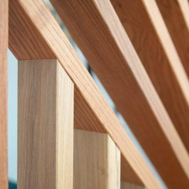 58 370x370 - Claustra en Chêne et meuble entrée avec niches