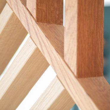 59 370x370 - Claustra en Chêne et meuble entrée avec niches
