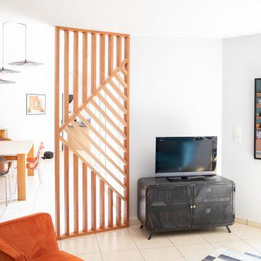 60 370x370 - Claustra en Chêne et meuble entrée avec niches