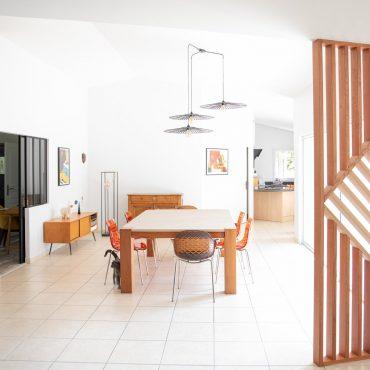 63 370x370 - Claustra en Chêne et meuble entrée avec niches