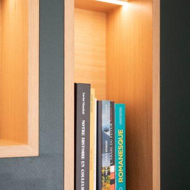 69 370x370 - Claustra en Chêne et meuble entrée avec niches