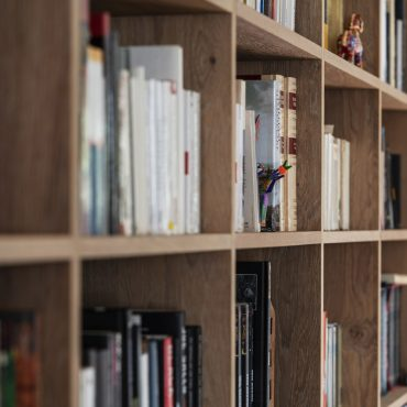 BIBLIOTHEQUE 8 370x370 - Bibliothèque Chêne Massif