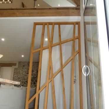 BODIN 11 370x370 - Claustra chêne design et déstructuré