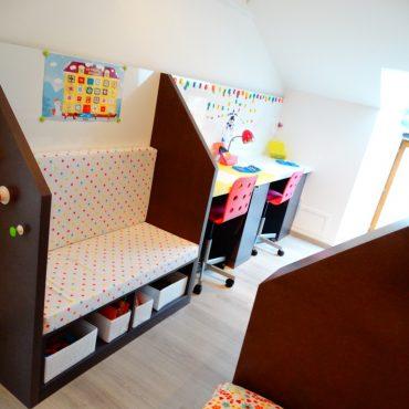 Banquette et Double bureau chambre d enfants 370x370 - Lit enfant & espace bureau