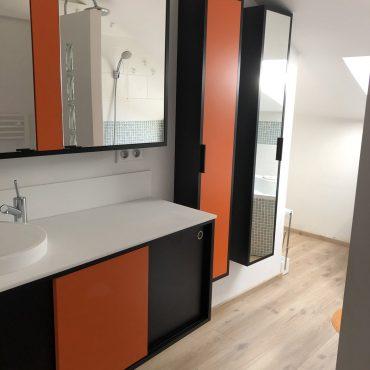 IMG 0303 370x370 - Meuble vasque et colonne noir et orange avec miroir
