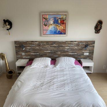 IMG 0739 370x370 - Tête de lit bois et chevet blanc