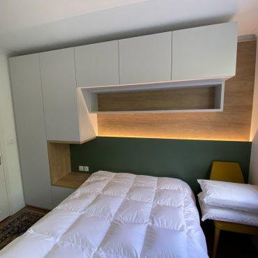 IMG 1402 370x370 - Tête de lit laqué éclairage LED & rangement penderie