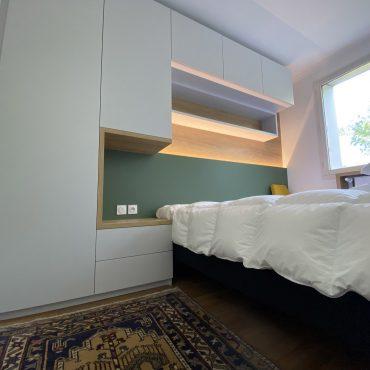 IMG 1406 370x370 - Tête de lit laqué éclairage LED & rangement penderie