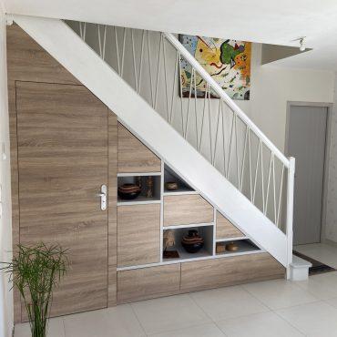 IMG 3335 1 370x370 - Meuble sous escalier décors gris et bois