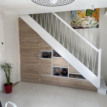 IMG 3336 1 370x370 - Meuble sous escalier décors gris et bois
