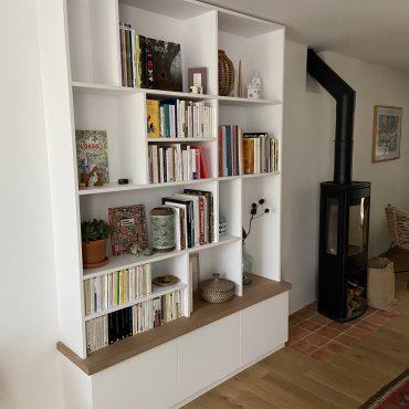 IMG 3337 370x370 - Bibliothèque blanc avec chêne clair
