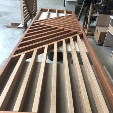 IMG 4943 370x370 - Claustra en Chêne et meuble entrée avec niches
