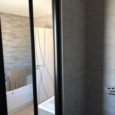 IMG 9909 370x370 - Verrière de douche sur muret
