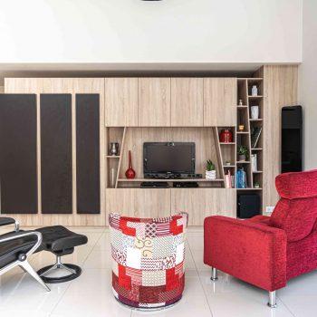 RDI01404 2 scaled oxl2ydo6zkfszqb5ghy328en67kqmomg4ql61st5ik - Meuble TV sur mesure blanc & chêne